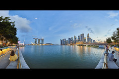 7B1A1682 2017-Sept-01 5D4 1124 Pano Around Esplanade (yimING_) Tags: esplanade panoramic city scape marinabaysands fullertonbayhotel mbs esplanadeopentheatre cityscape landscape singapore bluesky bluehourblue hour