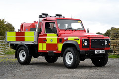 PO65 TVN 01 (IainDK) Tags: west yorkshire fire rescue holmfirth land rover pick up systems wildfire wild high pressure pump imageall imagefireall imagefirela 4x4 off road defender