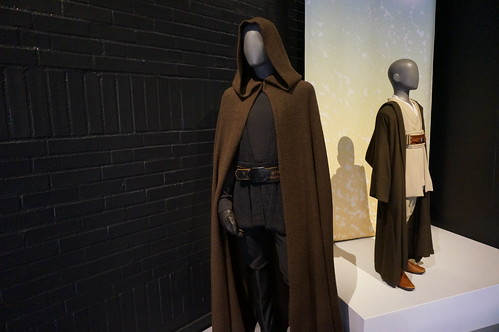 "Luke Skywalker's Jedi Robes • <a style=""font-size:0.8em;"" href=""http://www.flickr.com/photos/28558260@N04/37290580092/"" target=""_blank"">View on Flickr</a>"