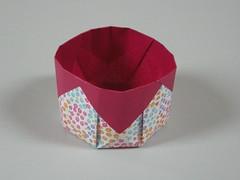 Simple octagonal basket (Mélisande*) Tags: mélisande origami box octagon