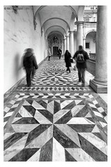 "Geometric walk <a style=""margin-left:10px; font-size:0.8em;"" href=""http://www.flickr.com/photos/66444177@N04/35882526493/"" target=""_blank"">@flickr</a>"