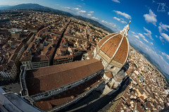Santa Maria del Fiore (Zano91) Tags: center centre history sun ray rays reflecting reflections nikon d7100 sigma italy italia buildings architecture grey cloud clouds poles streets alleys lamp blue red bricks windows tower road outdoor florence firenze giotto campanile cupola dome city view samyang 8mm fisheye distorted basilica
