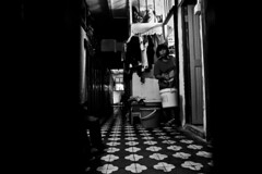 R0068922 (KC KWAN) Tags: streetphotography blackwhite 28mm 21mm hongkong snap people grdiv ricoh cityofdarkness homebound alley kc kwan kckwan interesting interestingness explore explored black darkened dim dingy drab gloomy misty murky overcast shadowy somber