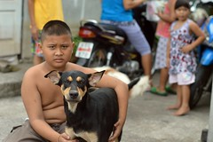 matching frowns (the foreign photographer - ฝรั่งถ่) Tags: jul192015nikon boy dog matching frowns bystanders khlong lat phrao portraits bangkhen bangkok thailand nikon d3200