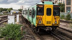 455817 (JOHN BRACE) Tags: 1982 brel york built class 455 emu 455817 seen east croydon station southern livery