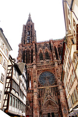 Notre-Dame de Strasbourg (vampire-carmen) Tags: notredame srasbourg strasburg elsass alsace frankreich france fachwerkhaus halftimberhouse kirche church kathedrale cathedral stadt city urban hdr canoneos600d kathedraal ትልቅደብር كاتدرائية մայրտաճար kilsə ক্যাথেড্রাল ဘုရားရှိခိုးကြောငျး катедрала tchalitchi 大教堂 katedral tuomiokirkko cathédrale ტაძარი καθεδρικόσναόσ કેથેડ્રલ babbancoci halepulenui קתדרלה कैथेड्रल ardeaglais cattedrale 大聖堂 קאַטידראַל ಕ್ಯಾಥೆಡ್ರಲ್ собор жыйын 성당 dêr katedrāle ഭദാസനപ്പള്ളി karakia कॅथेड्रल катедралата сүм गिर्जाघर کاتيډرل کلیسایجامع ਗਿਰਜਾਘਰ catedrală mālumalu cathaireaglais kerekeekhōlō chechi ديول දෙව්මැදුර makuu gerejagede калисоиьомеъ கதீட்ரல் కేథడ్రల్ โบสถ์ใหญ่ székesegyház گرجا eglwysgadeiriol thánhđường
