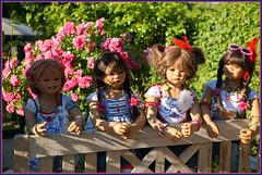 Kindergartenkinder ... (Kindergartenkinder) Tags: sommer sanrike blumen personen grugapark essen kindergartenkinder garten blume park annette himstedt dolls kindra setina milina