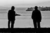 DSC00166sw (fotokunst_kunstfoto) Tags: menschen people begegnung begegnungen alleine zuzweit sw bw blackwith encounter silhouette silhouett silhouetten schattenbilder umriss kontur konturen schattenriss