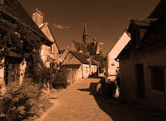 Le village en or (François Tomasi) Tags: or gold lights light lumière montrésor village touraine indreetloire filtre françoistomasi pointdevue pointofview pov yahoo google flickr reflex nikon photo photographie photography photoshop rue street maison digital numérique clocher france europe tourisme travel août 2017