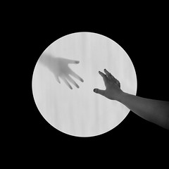 (EnKajsa) Tags: fs170910 fotosondag port kajsa eriksson enkajsa fotokajsa hands hand arm selfie self selfportrait hole dark light bright black white circle square fotosöndag weird scary reaching reach save