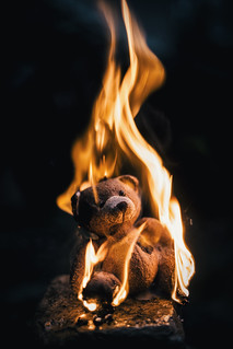 Nounours en feu