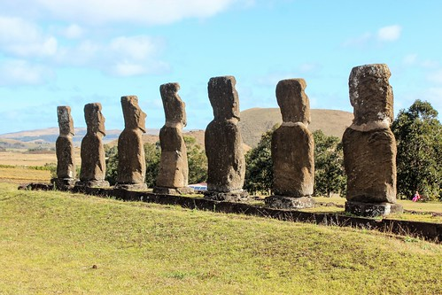 Moai and Ahu a Akivi, Rapa Nui