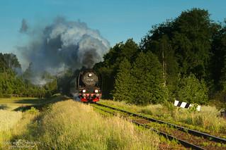 Early morning train heading to Rakoniewice