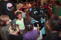 "thomas-davis-defending-dreams-foundation-thanksgiving-at-lolas-0054 • <a style=""font-size:0.8em;"" href=""http://www.flickr.com/photos/158886553@N02/37042948501/"" target=""_blank"">View on Flickr</a>"