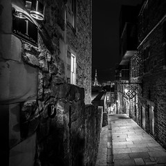 Advocates Close (McQuaide Photography) Tags: edinburgh scotland unitedkingdom greatbritain gb uk sony a7rii ilce7rm2 alpha mirrorless 1635mm sonyzeiss zeiss variotessar fullframe mcquaidephotography adobe photoshop lightroom outdoor tripod manfrotto building city capitalcity blackandwhite bw mono monochrome blackwhite shadow light urban alley close nightphotography night advocatesclose oldtown narrow history historical travel old square squarecrop oldtownofedinburgh alleyway wideangle longexposure unesco worldheritage