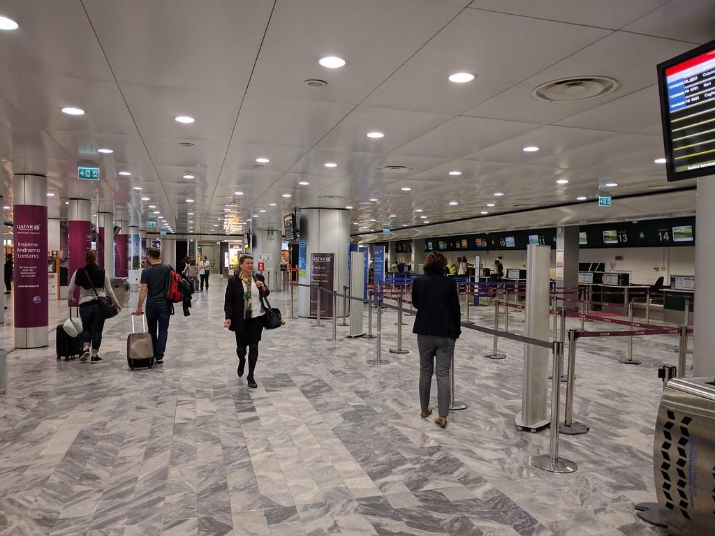 Aeroporto Pisa : V trend u pisa aeroporti ryanair pensa a firenze