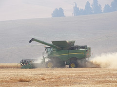Aug3,2017 DSC00215 Combine with haze in the background is smoke (terrygray) Tags: scenic palouse harvest forestfiresmoke