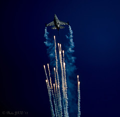 Belgian Air Force F-16 At Eastbourne Air Show August 17th 2017 (John R Woodward Photography) Tags: f16 belgianairforce aircraft airshow eastbourneairshow eastbourne canon canondslr canoneos canonllenses canon5dmarkiv llenses