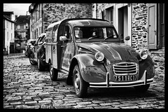 The Citroën 2CV Forgonnnettes. (TrevKerr) Tags: 2cv citroen france car nikon monochrome blackandwhite d3s