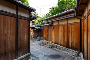 石塀小路 / Ishibe Koji Street