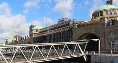 Landungbruecken Hamburg (j_sacht) Tags: hamburg hafen landungsbrücken norderelbe stpauli piers architektur