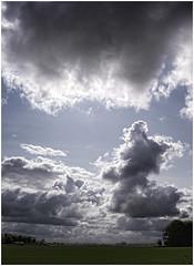 Onderdendam (Schnarp) Tags: onderdendam hdr groningen provinciegroningen platteland countryside aufdemland campagne landskabet dorp dorf landsby village nederland thenetherlands europe europa clouds pentaxk10d wolken nuages skyer