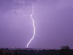 Blitz über Dresden (david_drei) Tags: dresden gewitter altstadt flash thunderstorm mächtiger badabumm balkonblick elektrizität erdblitz erdwolkeblitz blitz sachsen