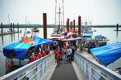 The new dock of fresh seafood market at Steveston Fisherman's Wharf in Richmond BC Canada (TOTORORO.RORO) Tags: bc canada greatervancouver britishcolumbia richmond vancouver view light travel reflections steveston village fishermanswharf boat port harbour fisherman tourist tourism popular visitor attractions lifestyle fishing walking sony a7ii ilce7m2 samyang rokinon 35mm f28 fe mount fullframe