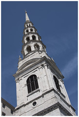 St Brides Church Spire (theimagebusiness) Tags: theimagebusinesscouk theimagebusiness photography photographers travel travelphotography documentary history england uk visitorattractions information london cityoflondon city citylife cityculture citycentre capital colours historic location momentintime tourism touristattraction urban stbrideschurch church anglican fleetstreet sirchristopherwren rebuilt bombed blitz spire architecture weddingcake