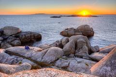 The sunset falls in love (Jabi Rollán) Tags: 5d hdr javierrollan canon azul relax pareja sol atardecer watching inlove love water blue mar sea ocean sunset