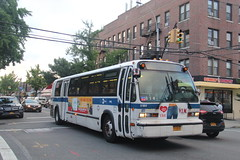 IMG_1163 (GojiMet86) Tags: mta nyc new york city bus buses 1999 t80206 rts 5180 q69 ditmars blvd 38th street