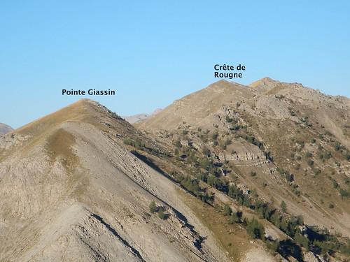 Vue depuis la Tête de Vinaigre : Notre itinéraire longe la ligne de crête démarrant sur la gauche