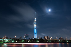 RXV00926 (Zengame) Tags: rx rx100 rx100v rx100m5 rx100mk5 sony zeiss architecture cloud clouds iki illuminated illumination japan landmark lightup moon night sky skytree tokyo tokyoskytree tower スカイツリー ソニー ツアイス ライトアップ 夜 日本 月 東京 東京スカイツリー 空 粋 雲 台東区 東京都 jp