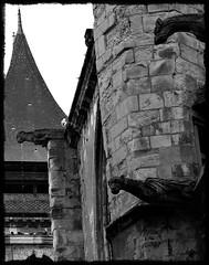15 - Dieppe - Eglise Saint-Rémy - Trio inquiétant (melina1965) Tags: normandie seinemaritime août august 2017 nikon d80 noiretblanc blackandwhite bw église églises church churches sculpture sculptures dieppe