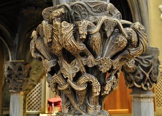 Chaire romane en marbre (XIIIe),  cathédrale St Domnius,  Split, comitat de Split-Dalmatie, Croatie.