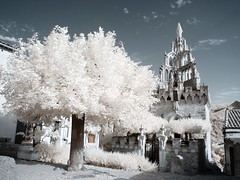 Tour Randonne (Lolo_) Tags: architecture infrared nyons drôme provençale 715nm ir infrarouge chapelle notredamedebonsecours tour randonne tower baronnie montauban monument tree arbre borne