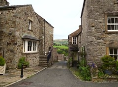 Houses at Kirkby Lonsdale (Snapshooter46) Tags: kirkbylonsdale cumbria stonebuildings houses stonework architecture