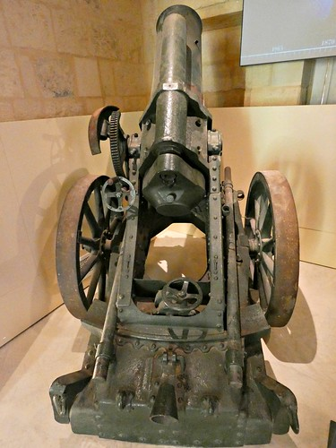 German heavy mine- launcher