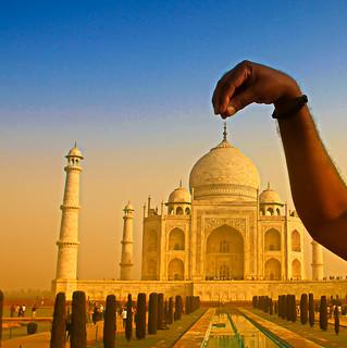 Taj Mahal - A tale of  Love and Marble