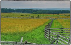 Gettysburg Battlefield (Steve4343) Tags: nikon d70s gettysburg national battlefield park green fence line yellow post steve4343