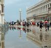 Na regen komt zonneschijn (Shahrazad26) Tags: sanmarcoplein piazzasanmarco venetië venice venezia venedig italië italy italien italia rain regen plui plas pool weerspiegeling reflection reflectie