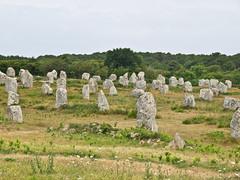 Les Menhirs de Carnac # 1 (schreibtnix on 'n off) Tags: reisen travelling europa europe frankreich france bretagne brittany breizh carnac menhire menhirs alignementduménec olympuse5 schreibtnix
