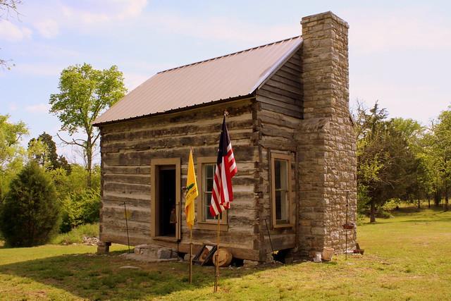 Hunley Cabin - Bledsoe Fort Historic Park