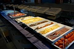 Playa de las Américas: buffet breakfast in Parque Santiago III (JdRweb) Tags: parquesantiago playadelasamericas sonydscrx100 tenerife