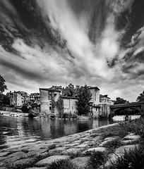 Mont-de-Marsan (Jean-Luc Peluchon) Tags: fz1000 lumix bw blackandwhite noiretblanc town street river sky cloud house maison rue rivière old vieux architecture pont bridge cascade waterfall downtown