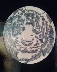Blind Tiger (MAISxCOR) Tags: stencil stencilart art estencil vinil vinyl disco lp vinylart arteemvinil recycle decor maiscor tiger blind tigre