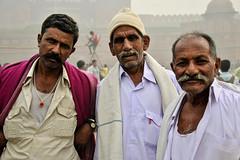 Tourists, Delhi (Valdas Photo Trip) Tags: india delhi portrait streetphotography