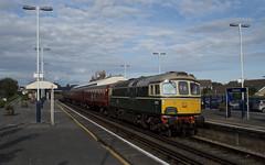 02.09.17 Wareham 33012 (D6515) (philstephenrichards) Tags: wareham swanagerailway westcoastrailways 33012 crompton class33 class330