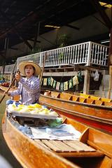 Color of Bangkok, Floating Market-(1) (Jung Joon Park (JJ)) Tags: damneonsaduak floatingmarket bangkok thailand pentaxsmc fa2490mmf3545al