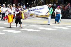 2017 International Parade of Nations (seanbirm) Tags: internationalparadeofnations lionsclub lcicon lions100 lionsclubinternational parades chicago illinois usa statestreet statest weserve mountprospectlionsclub melvinjone ecquador